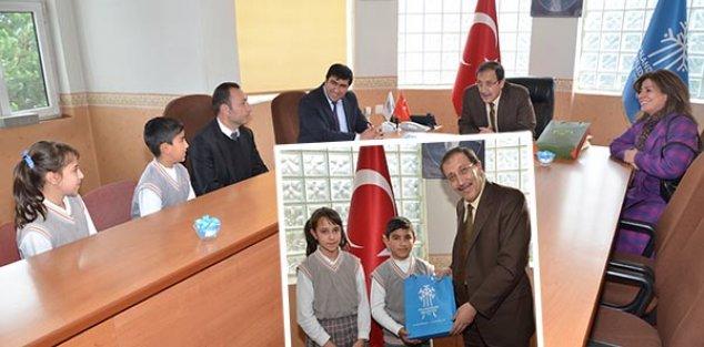 EĞİTİMCİ BAŞKAN'DAN EĞİTİME DESTEK