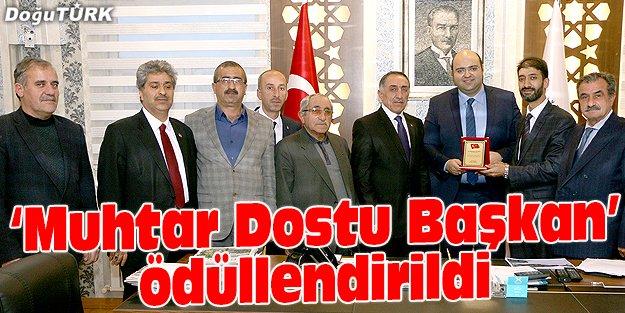 'MUHTAR DOSTU BAŞKAN'A TEŞEKKÜR PLAKETİ