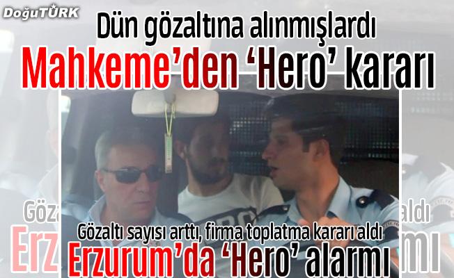 """""""Hero"""" yazılı tişört giyen 2 kişi serbest bırakıldı"""