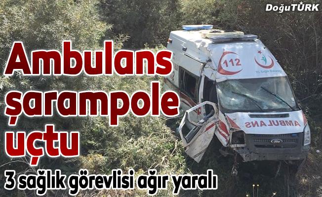 Ambulans şarampole uçtu: 3 yaralı
