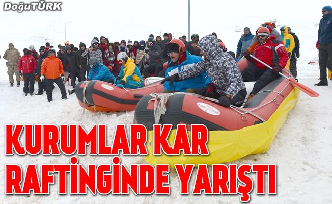 Erzurum'da kar raftingi yarışması