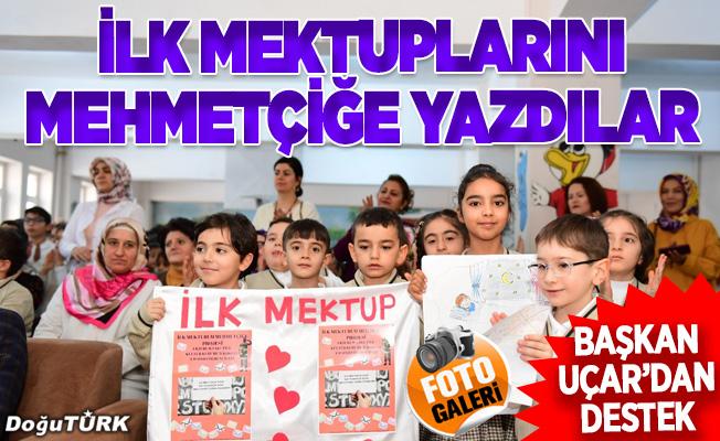 İlk mektuplarını Mehmetçiğe yazdılar
