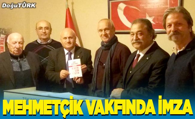 Mehmetçik Vakfında imza