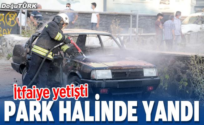 Erzurum'da park halindeki otomobilde yangın