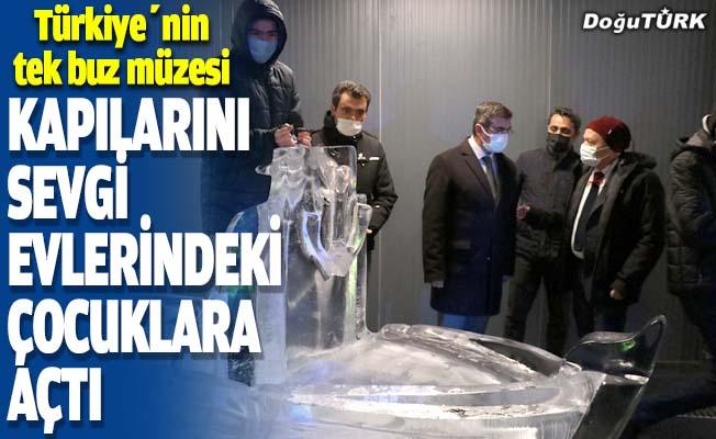 Türkiye'nin tek buz müzesi kapılarını sevgi evlerindeki çocuklara açtı