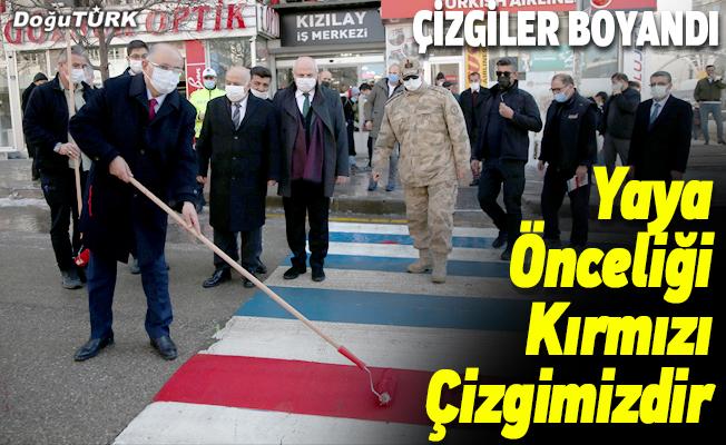 """Erzurum'da """"Yaya Önceliği Kırmızı Çizgimizdir"""" etkinliği..."""