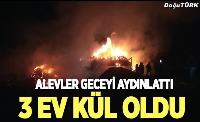 Erzurum'da yangın; 3 ev kül oldu