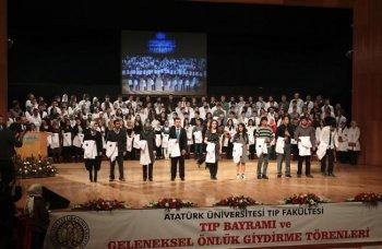 ATATÜRK ÜNİVERSİTESİ 4 BİN DOKTOR, BİN 500 UZMAN YETİŞTİRDİ