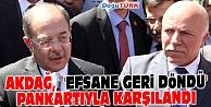 BAKAN AKDAĞ, #039;EFSANE GERİ DÖNDÜ#039; PANKARTIYLA KARŞILANDI