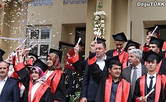 Aşkale İMKB'de mezuniyet coşkusu