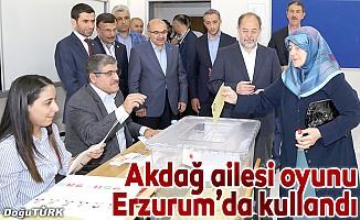 Akdağ oyunu Erzurum'da kullandı