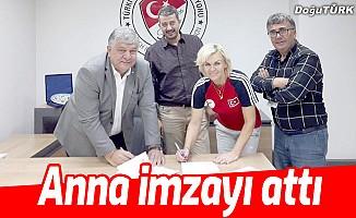Anna ile resmi mukavele imzalandı