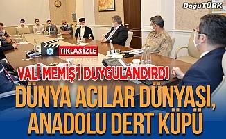 Dadaş Necati'nin söylediği türkü Vali Memiş'i duygulandırdı