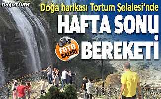 """""""Türkiye'nin en büyük şelalesi""""nde hafta sonu yoğunluğu"""
