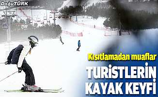 Turistlerin kayak keyfi