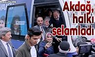 Akdağ, Erzurum'da halkı selamladı