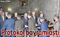 Erzurum protokolü bayramlaştı