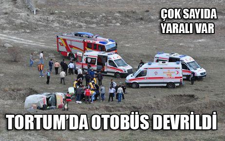 TORTUM'DA OTOBÜS DEVRİLDİ