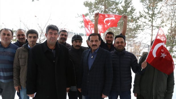 """Dadaşlardan """"Bir gece Afrin'e gelebiliriz"""" türküsü"""
