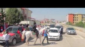 Erzurum'da sıra dışı bir düğün